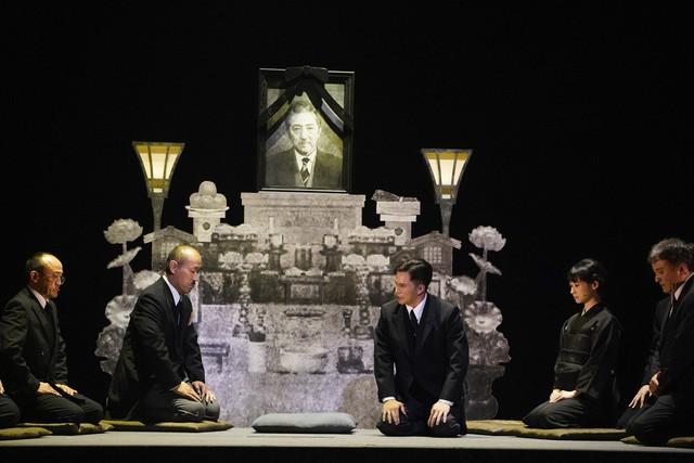 黒澤明没後20年記念作品 ダイワハウスpresents「ミュージカル『生きる』」より。(撮影:引地信彦)
