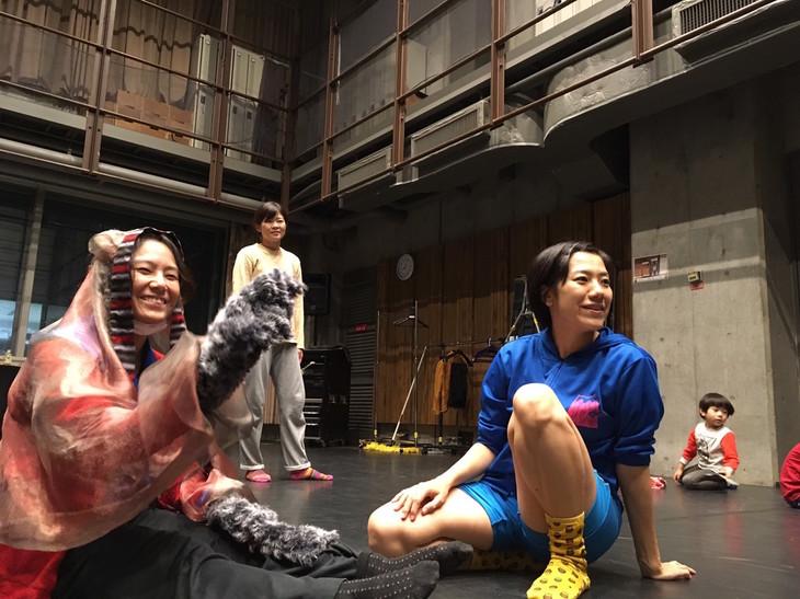 プロジェクト大山2018新作公演「すばらしきあいまいな世界」稽古の様子。
