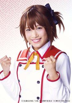 斉藤真木子(SKE48)扮する衛藤可奈美。