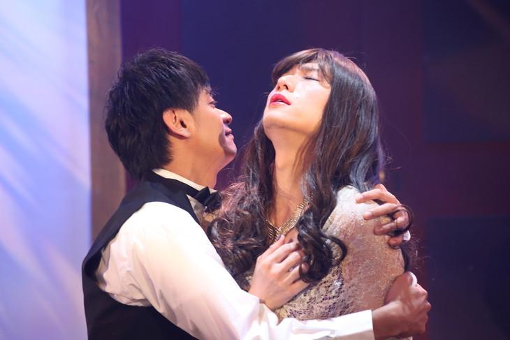 劇団Rexy 第7回公演「黒服ドレッサー」より。