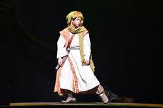木津つばさ演じるゼノ。