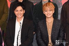 左から生田斗真、中山優馬。