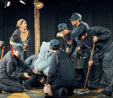 劇壇ガルバ 旗揚げ公演「森から来たカーニバル」ゲネプロより。(c)福山楡青