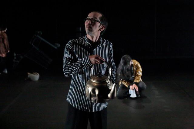 第17回AAF戯曲賞受賞記念公演「シティIII」より。(提供:愛知県芸術劇場 / 撮影:前谷開)