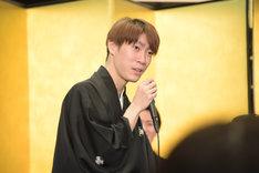 中村歌昇の言葉を受け、饒舌に自己紹介する坂東巳之助。