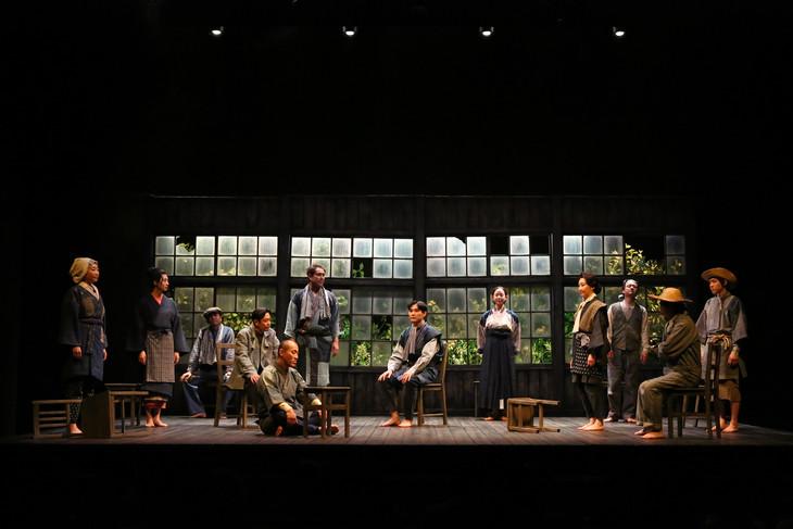 こまつ座 第126回公演「イーハトーボの劇列車」より。(撮影:宮川舞子)