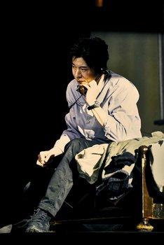 世田谷パブリックシアター×パソナグループ「CHIMERICA チャイメリカ」より。(撮影:細野晋司)