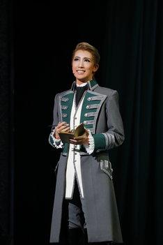 宝塚歌劇宙組「ミュージカル・プレイ『黒い瞳』-プーシキン作『大尉の娘』より-」より。