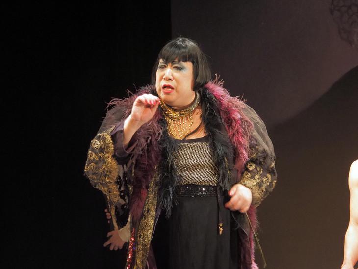 寺山修司没後35年 / 青蛾館創立35年記念公演「毛皮のマリー」より。(c)2019 A.Sugai
