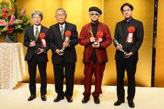 第22回光文三賞贈呈式より、左から平田オリザ、権田萬治、綾辻行人、辻寛之。