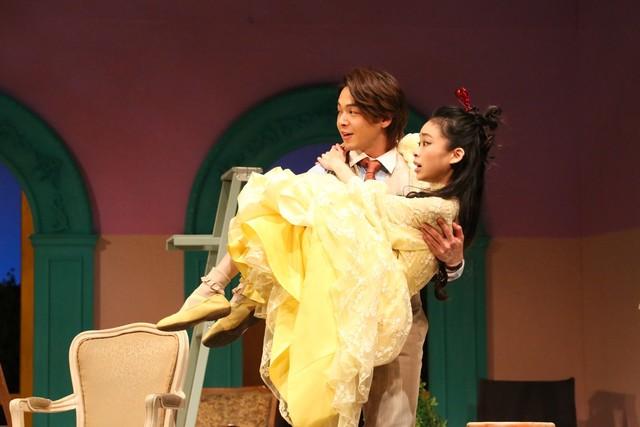 M&Oplays プロデュース「クラッシャー女中」より。(撮影:宮川舞子)