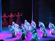 劇団東演 第155回公演「マクベス」より。