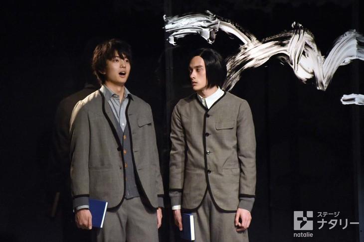 KAAT神奈川芸術劇場プロデュース「春のめざめ」より。