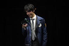 和田琢磨演じる嘉納火炉。