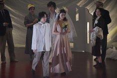 KAAT神奈川芸術劇場プロデュース「恐るべき子供たち」より。