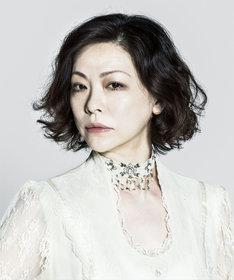 セゾニア役の秋山菜津子。
