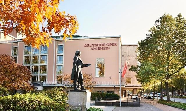 ライン・ドイツ・オペラ外観