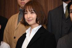 舞台「アンフェアな月」第2弾「~刑事 雪平夏見シリーズ~『殺してもいい命』」囲み取材より、篠田麻里子。