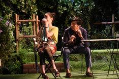 M&Oplaysプロデュース「二度目の夏」フォトコールより、左から清水葉月、菅原永二。