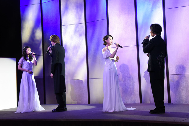 左から木下晴香、城田優、愛希れいか、加藤和樹。