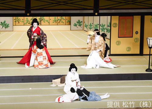「八月納涼歌舞伎」第一部「伽羅先代萩(めいぼくせんだいはぎ)御殿 床下」より。(c)松竹