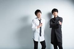 左から下野紘、津田健次郎。