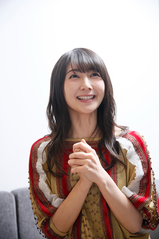 笑顔の秦佐和子