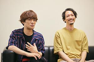 左から小野賢章、永岡卓也。