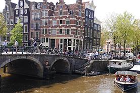 アムステルダムの街並。