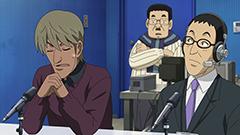 アニメ「グラゼニ」の場面カット。一番右が松本秀夫アナウンサー。