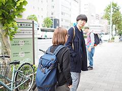 (左から)マキヒロチと川田氏。