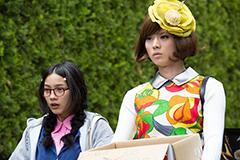 映画「海月姫」より、能年玲奈が一番好きだという蔵之介のコーディネート(写真右)。