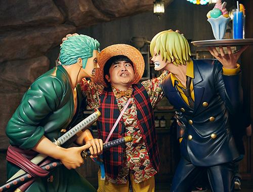 にらみ合うゾロとサンジを止めようとする加藤諒は2人の顔の大きさが気になるようで……。