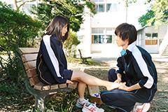 「orange-オレンジ-」より、土屋太鳳演じる高宮菜穂と、山﨑賢人演じる成瀬翔。