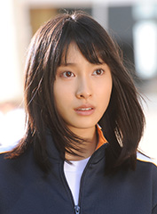 映画「orange-オレンジ-」より、土屋太鳳演じる菜穂。