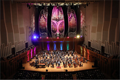 2017年に東京・東京芸術劇場にて開催された「美少女戦士セーラームーン25周年記念 Classic Concert」の様子。