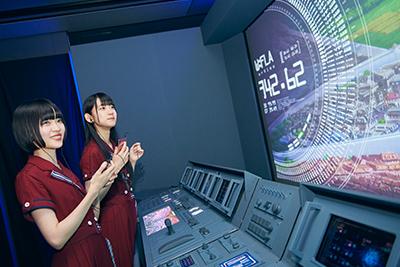 研究開発機構《ラース》の研究施設を模した展示物。