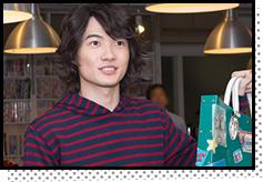劇中で最高と秋人が使っている持ち込み用バッグを持ってきたと話す神木隆之介。