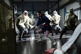 「BLACKFOX: Age of the Ninja」より。山本は得意の中国武術を封印して撮影に臨んだ。
