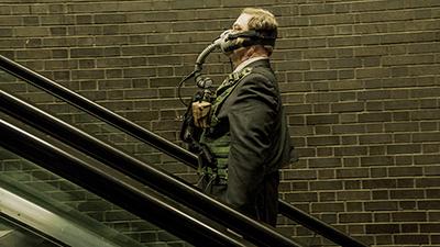 「囚われた国家」より、ジョン・グッドマン演じるマリガン。