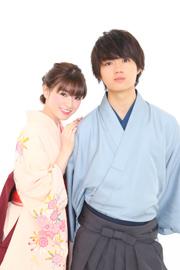 左から優希美青、佐野勇斗。