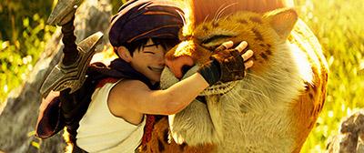 「ドラゴンクエスト ユア・ストーリー」より、佐藤健演じるリュカ(左)。