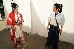 左から矢崎広演じる望月八弥斗、犬飼貴丈演じる青山凛ノ介。