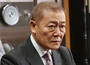 嶋田勝次(國村隼)