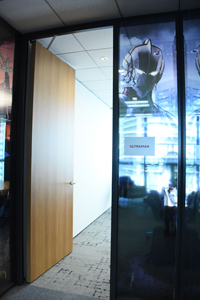 取材を実施したNetflix日本オフィスの「ULTRAMAN」ルーム。