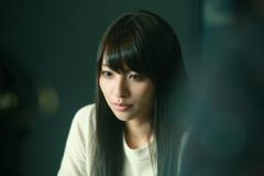 「一人の息子」より、水崎綾女演じる樋口香織。