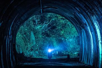 トンネルの撮影は、東京・青梅の旧吹上トンネルで行われた。