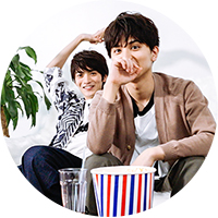 「えっ、続きあるんですか!?」と思わずスタッフに確認してしまう瀬戸利樹(右)と山本涼介(左)。