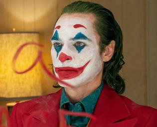 ホアキン・フェニックス演じるジョーカー。