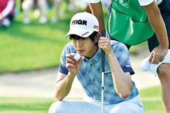 「キスできる餃子」より、田村侑久演じるプロゴルファーの岩原亮。「キスできる餃子」メイキング写真